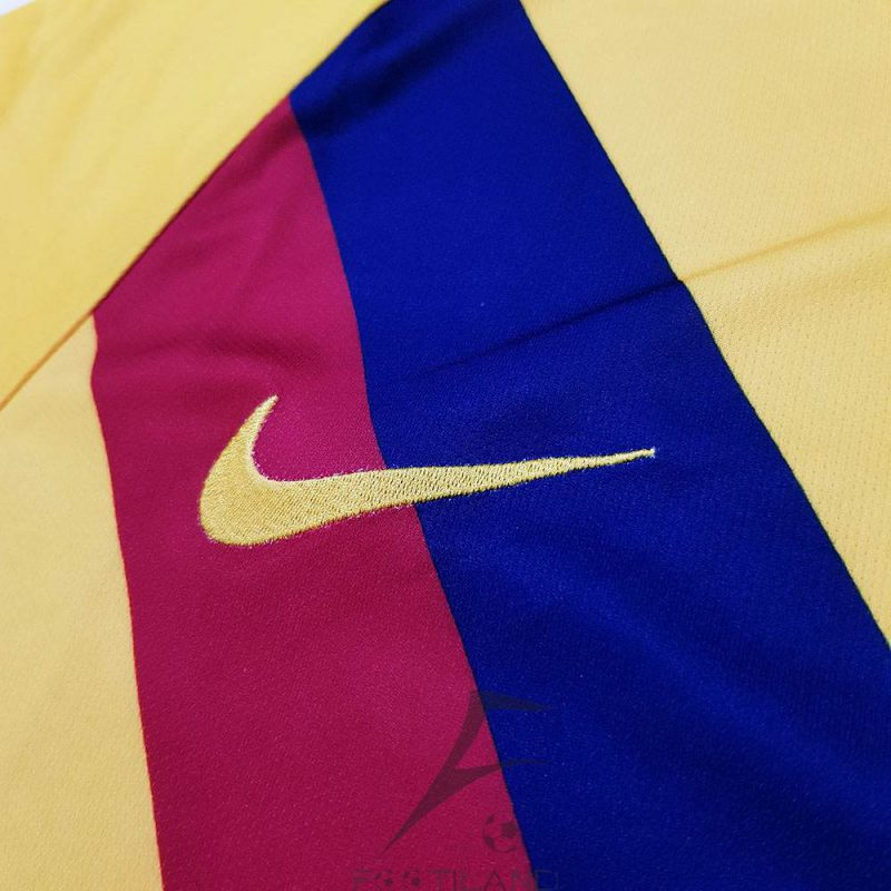 کیفیت آرم نایک لباس دوم بارسلونا 2020