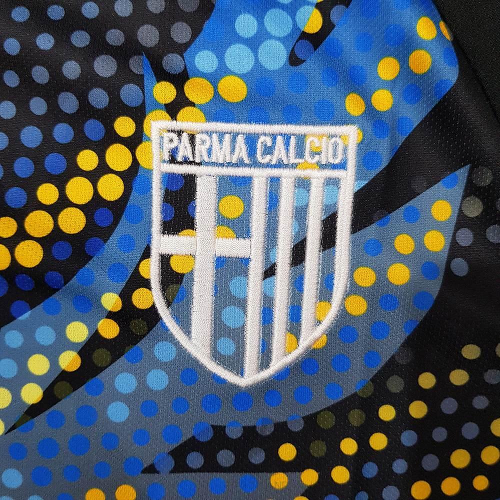 کیفیت لوگو لباس سوم پارما 2020