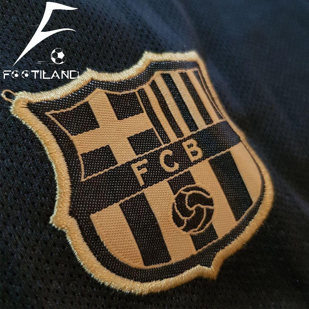 پیراهن شورت بچه گانه دوم بارسلونا 2021 با لوگو و آرم نایک گلدوزی شده