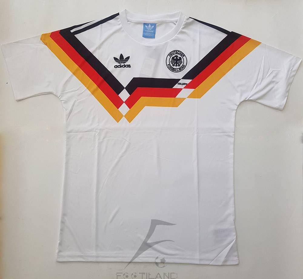 لباس کلاسیک آلمان 1990