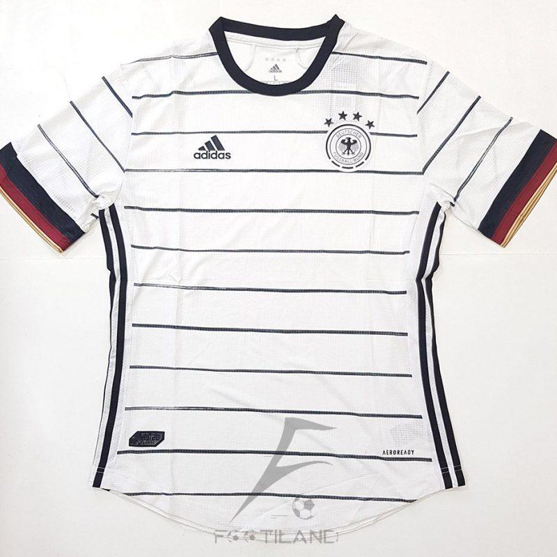 لباس اول آلمان وررژن پلیر 2020 با زمینه سفید و خط مشکی راه راه یقه پیراهن گرد بصورت تیشرت آستین کوتاه