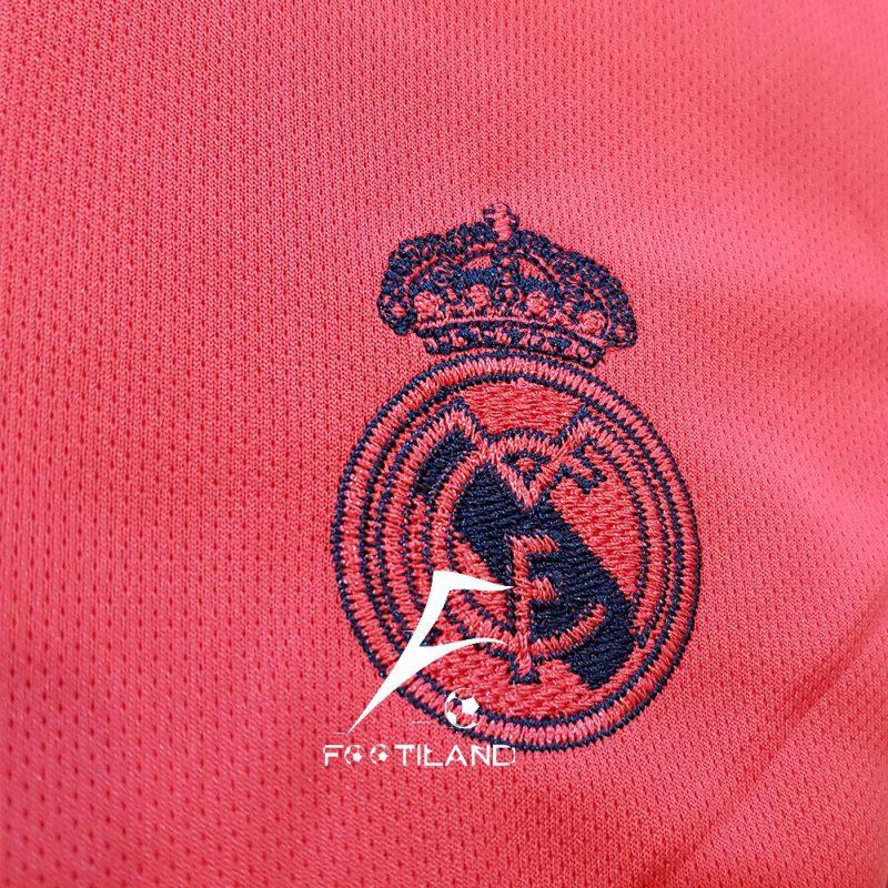 لباس دوم رئال مادرید بچه گانه 2021 با لوگو و آرم آدیداس گلدوزی شده