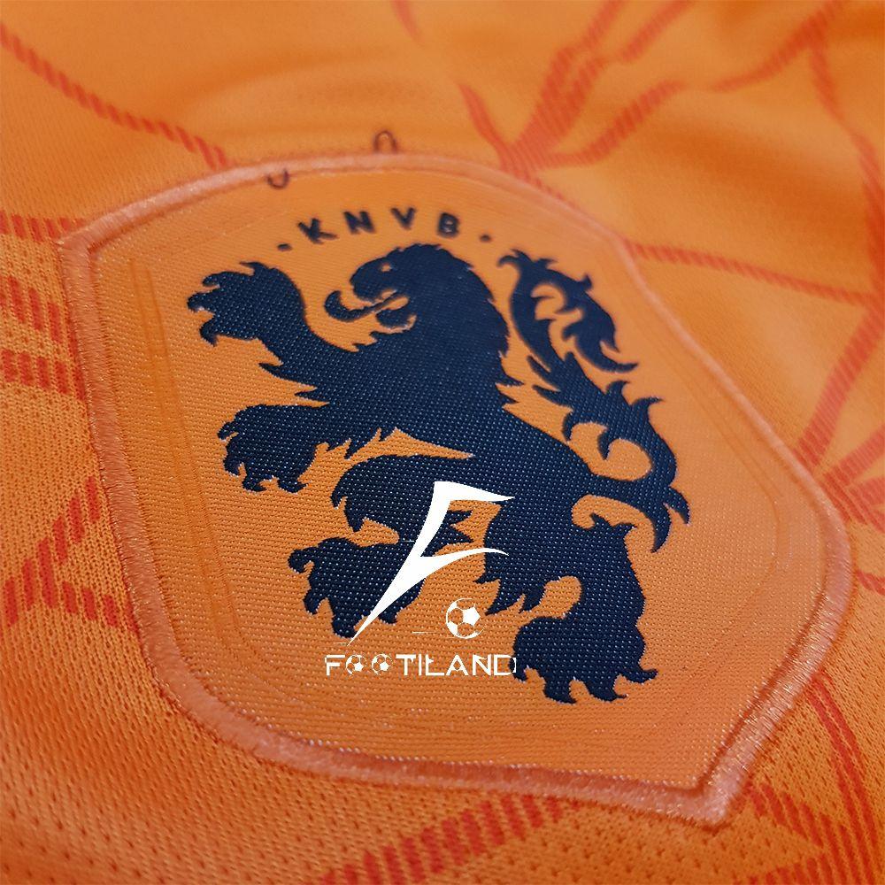 کیت تیم ملی هلند 2020 با لوگویه دور دوخت