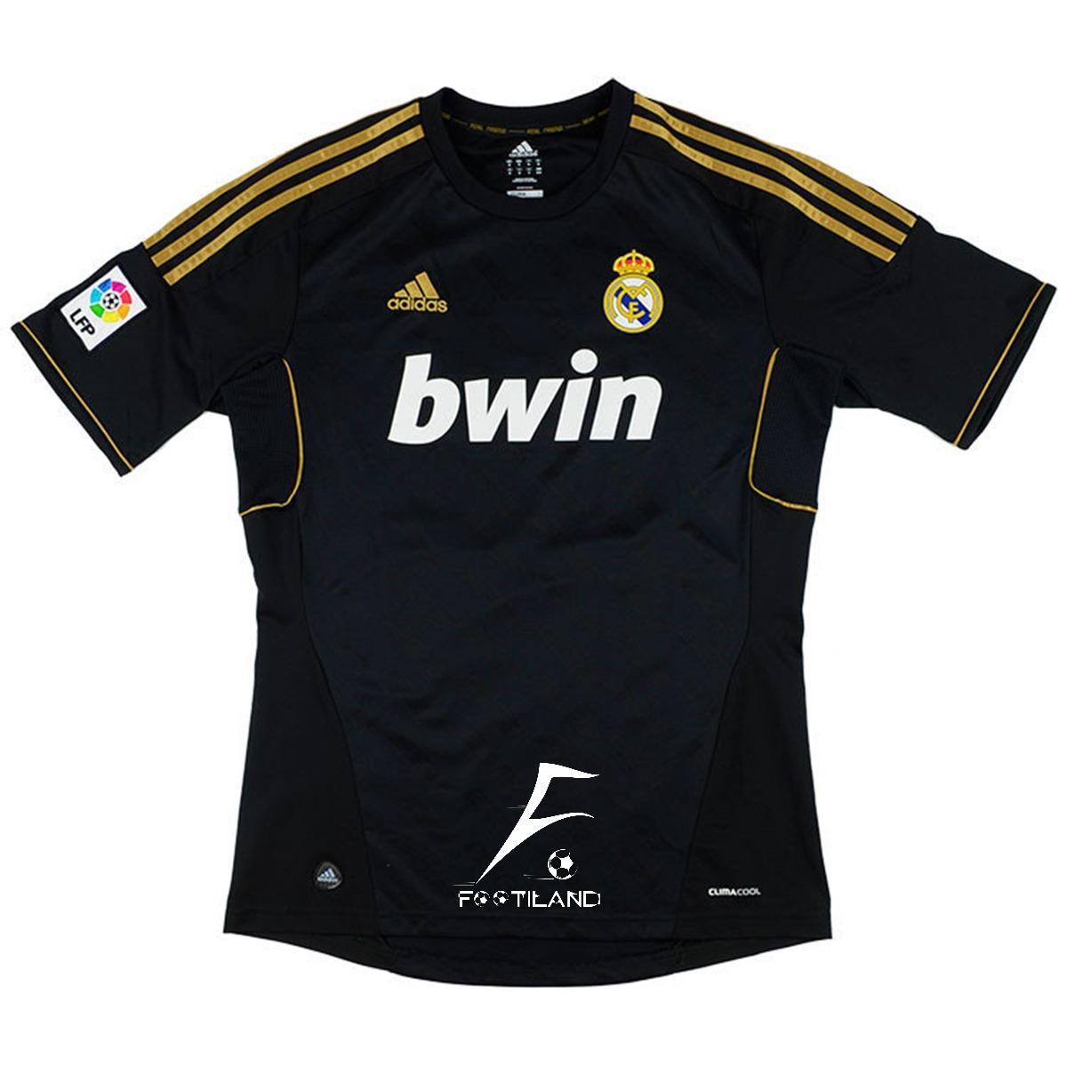 لباس کلاسیک رئال مادرید 2012