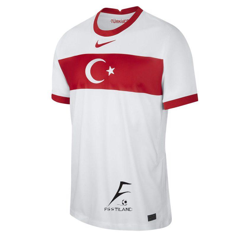 لباس دوم تیم ملی ترکیه 2022