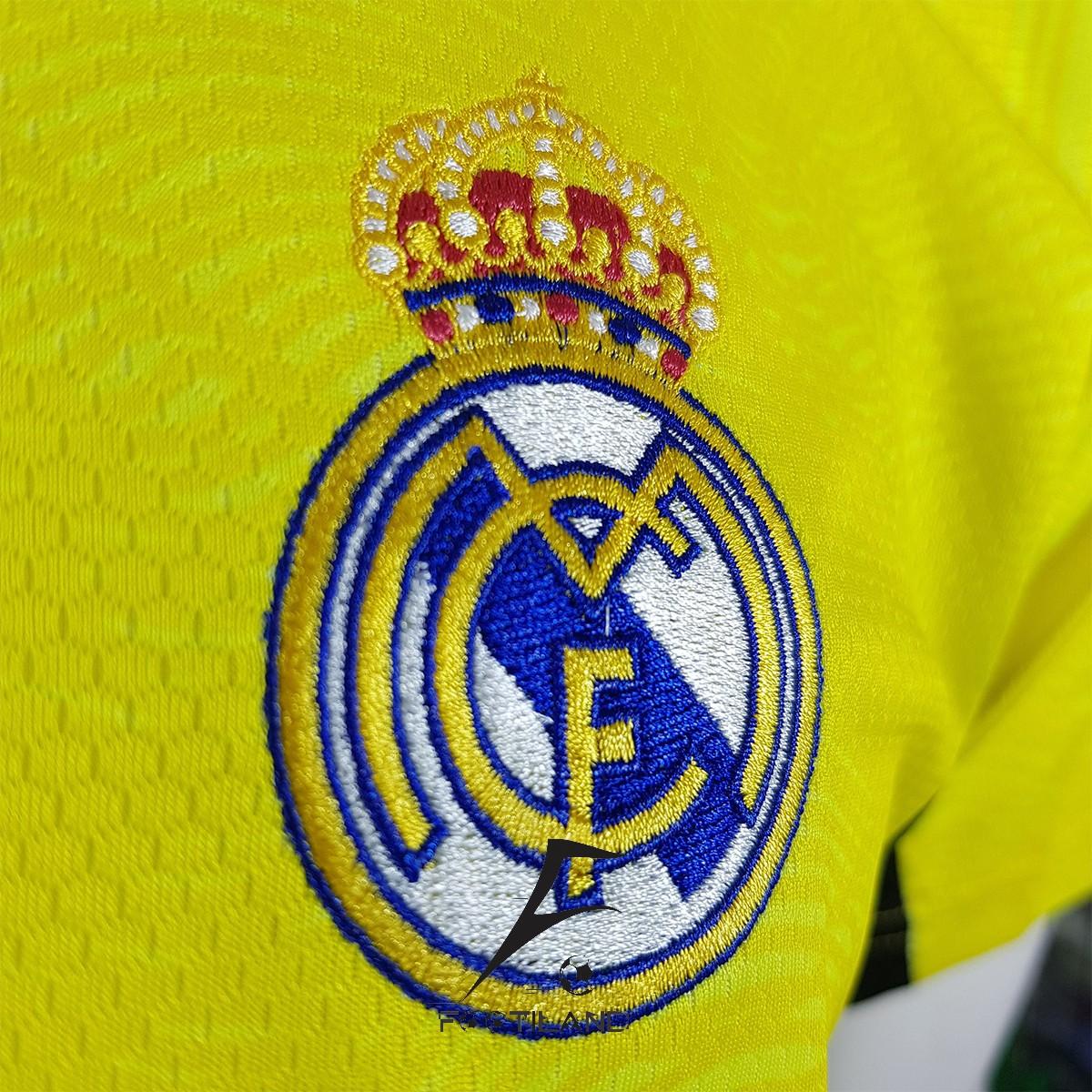 لباس دروازه بانی رئال مادرید 2022